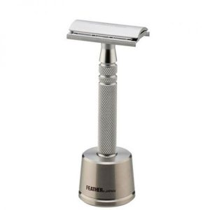 FEATHER ALL STAINLESS STEEL,DOUBLE-EDGE SH.RAZOR WITH STAND